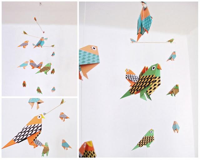 móvil con pájaros de papel